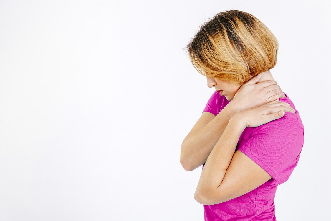 Skuteczne sposoby na rozluźnienie napiętych mięśni karku