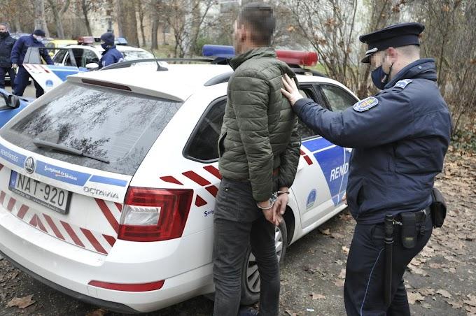 Börtönbe kellett volna vonulnia, több kerületen át menekült a rendőrök elől egy férfi