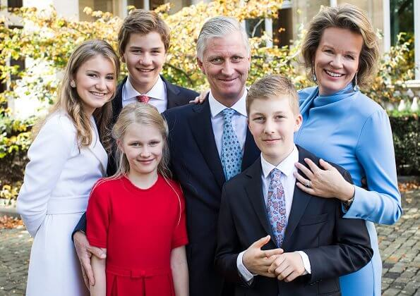 King Philippe, Queen Mathilde, Crown Princess Elisabeth, Prince Gabriel, Prince Emmanuel and Princess Eleonore. Natan dress