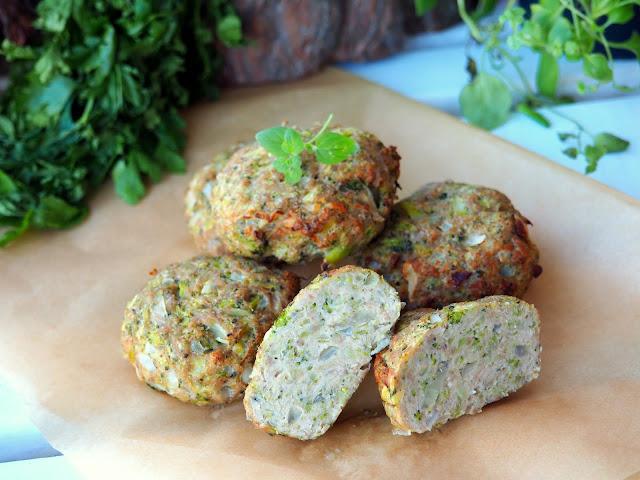 kotlety drobiowe z brokułem