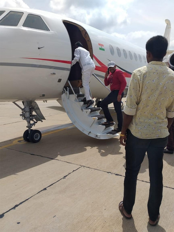 Karnataka crisis: Rebel Congress MLA MTB Nagaraj leaves for Mumbai, Bangalore, News, Politics, Trending, Karnataka, Mumbai, Flight, National