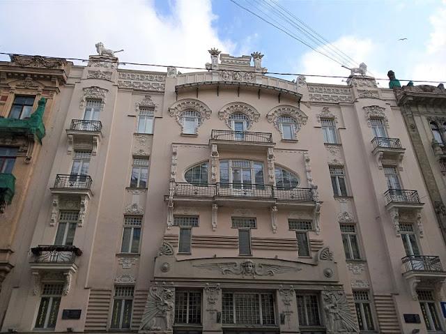 appartamento Lyebedinskiy art nouveau riga