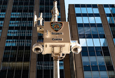 An interesting article discusses the hefty sums invested by the New York Police Department in technological equipment.