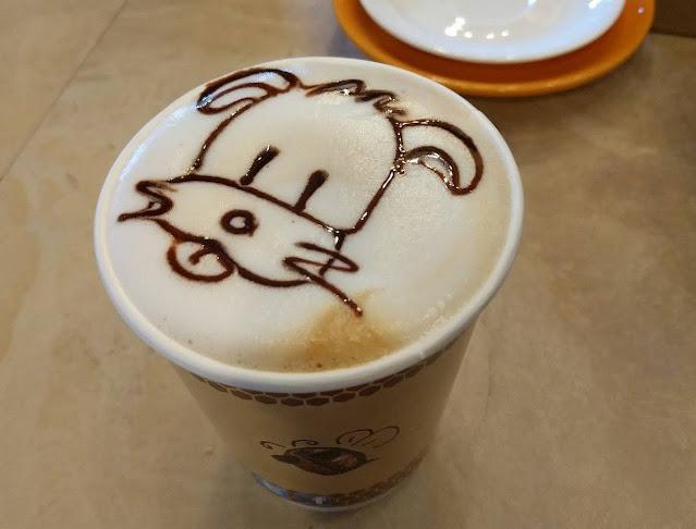 Latte art at Beanhive Coffee in Dublin Ireland