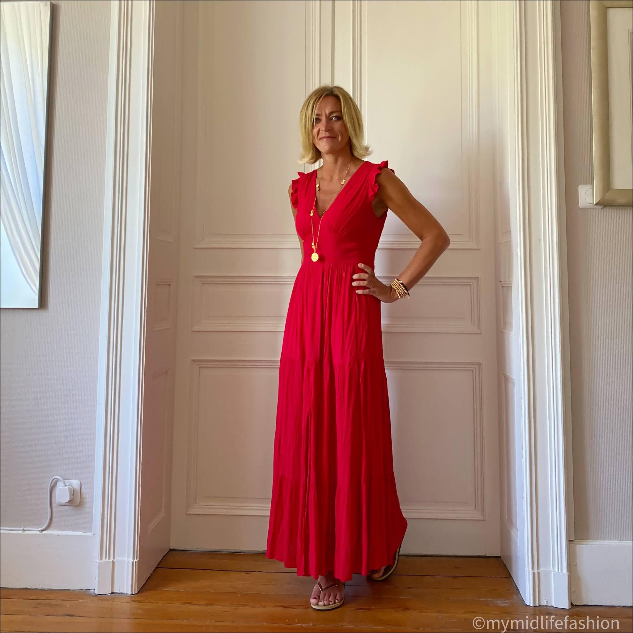 my midlife fashion, ashiana boho pendant necklace, Goa maxi dress, havaiana slim fit metallic gold flip flops