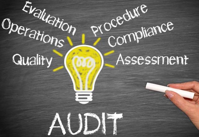 Definisi Serta Perbedaan Antara Audit Biaya dan Audit Keuangan