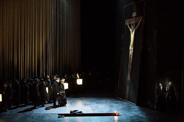 Verdi: Don Carlos - Opera de Lyon, Sally Matthews, Michele Pertusi (Photo Jean Louis Fernandez)