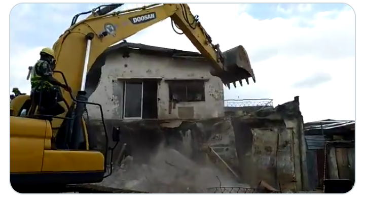 LASEMA Pulls Down Partly Collapsed Building In Lagos(Video