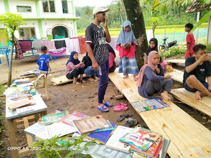 Muda-Mudi Sarimukti, Menyelanggarakan Kegiatan Edukasi Literasi