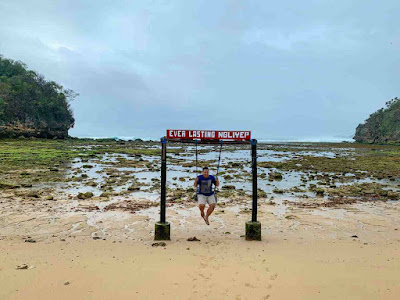 Wisata pantai malang, pantai ngliyep malang, destinasi wisata yang menarik diunjungi di malang