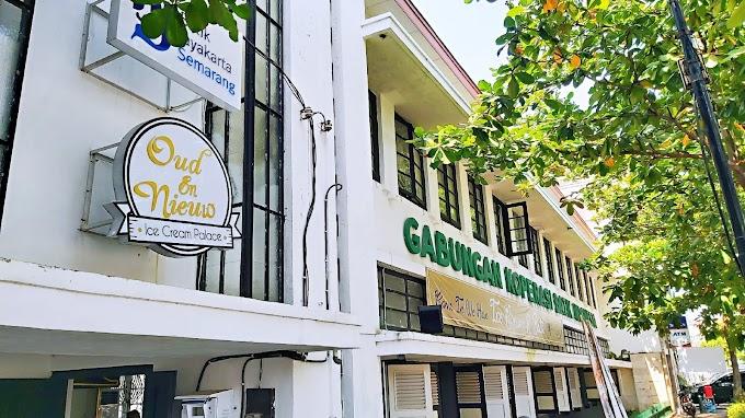Oud En Niuew by Toko Oen di Kota Lama Semarang