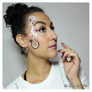 http://www.unblogdefille.fr/2019/02/maquillage-de-carnaval-avec-des-fleurs.html