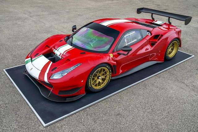 Pirelli P Zero DHE para o novo Ferrari 488 GT Modificata, pneus de competição para o novo carro GT baseado em pista