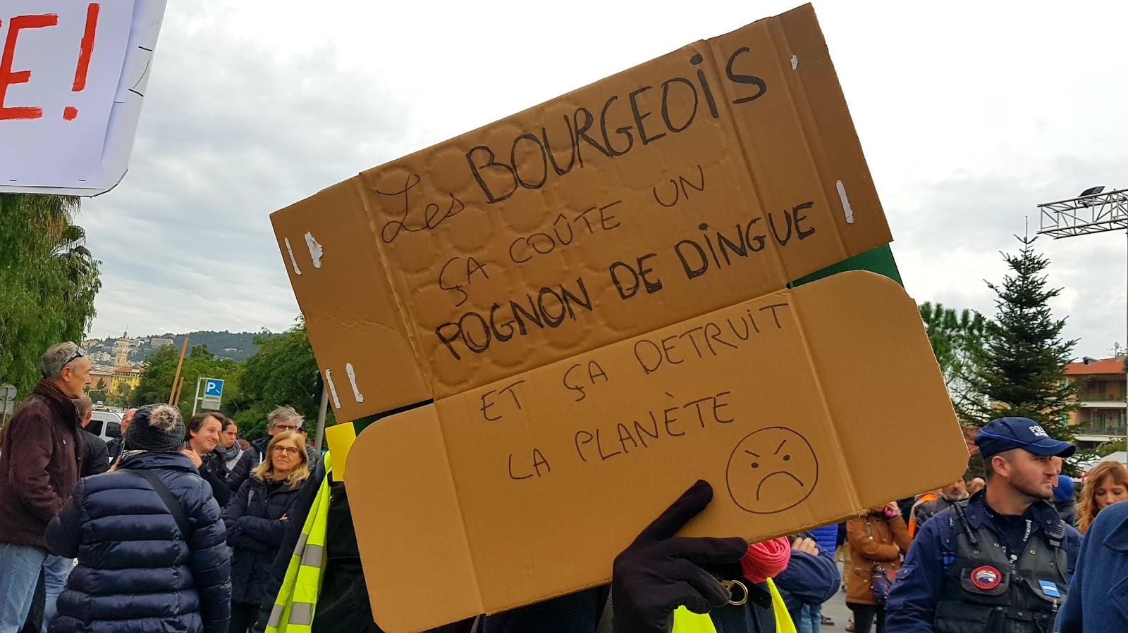 Manifestation contre la réforme des retraites à Nice, place Massena, le jeudi 5 décembre 2019 | © C.A. pour Rivieractu Magazine