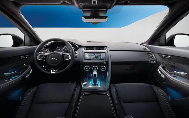 Jaguar E-Pace có khoang lái kiểu Cockpit ôm quanh vị trí tài xế
