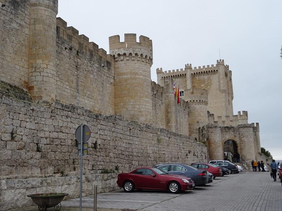 Castillo de Peñafiel, característico por su forma de buque
