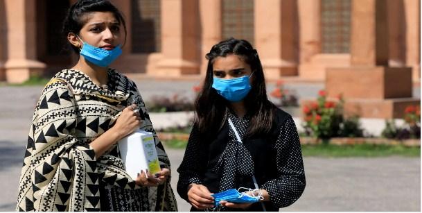 Пакистан потврдио 221.842 нових случајева коронавируса са 4551 смртним случајевима