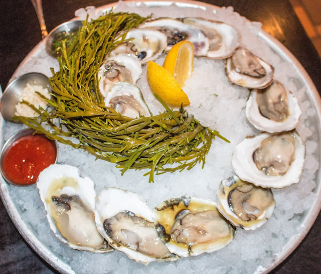 The Olde Bar - Oysters