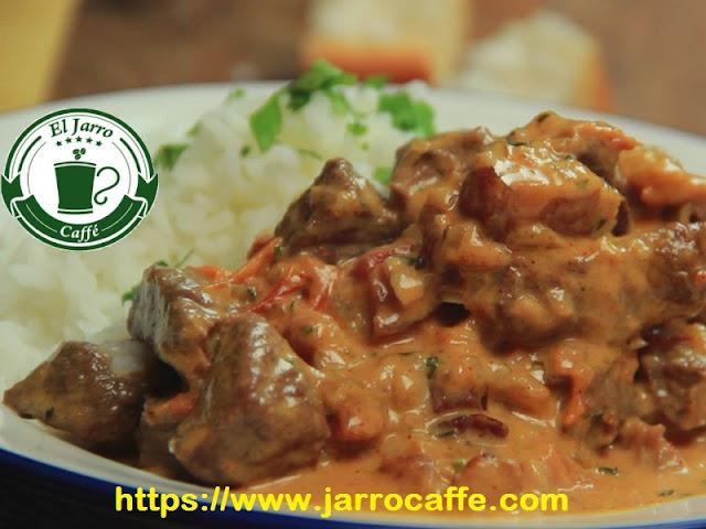 strogonoff de carne con arroz