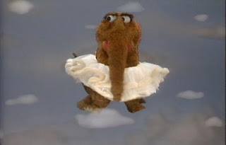 Snuffy sings If I Was a Cloud in the Sky. Sesame Street Best of Friends