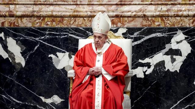 Ο πάπας Φραγκίσκος, στο κήρυγμά του κατά την διάρκεια της λειτουργίας στον 'Αγιο Πέτρο, θέλησε να αναφερθεί στις ιδιαίτερες συνθήκες υπό τις οποίες πρόκειται να γιορτασθεί και φέτος το Πάσχα