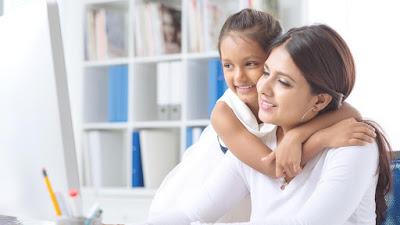 Tips Agar Anak Tidak Rewel Saat Orangtua Bekerja.
