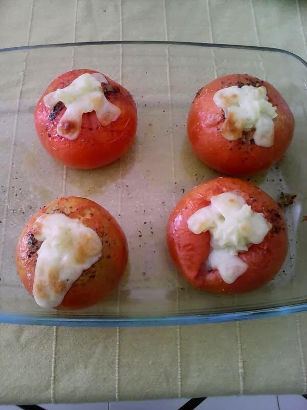 tomates rellenos de puré de patatas