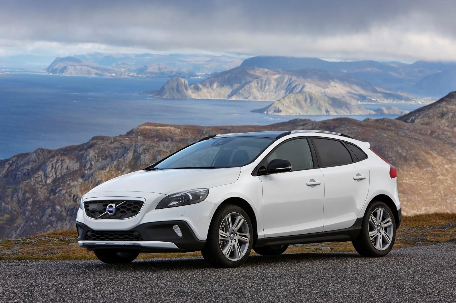 VOLVO%2BV40%2BCROSS%2BCOUNTRY Παγκόσμιο ρεκόρ πωλήσεων για τη Volvo