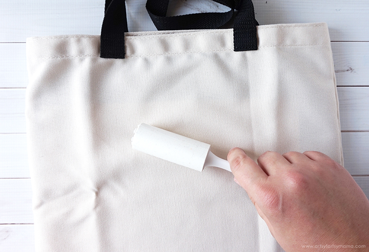 Removing Lint from Cricut Infusible Ink Tote