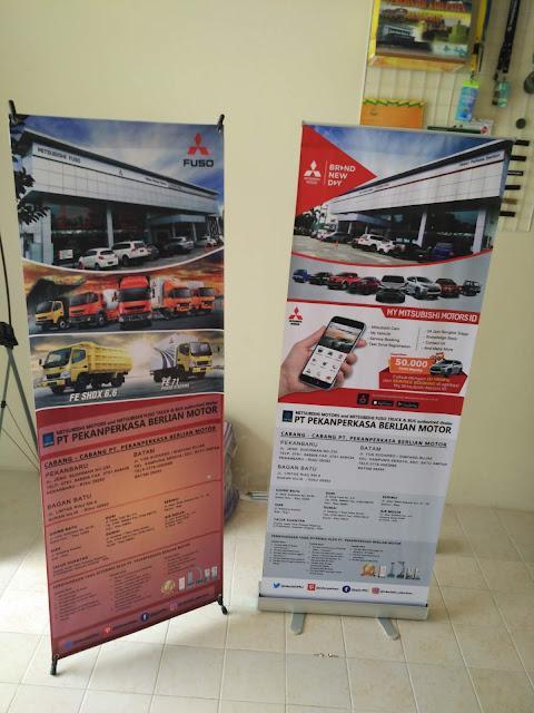 Roll Up Banner Promosi Perusahaan
