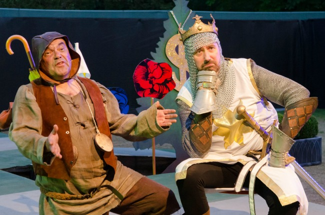Spamalot-Cardiff-Open-Air-Festival-Everyman-Theatre-Productions-cast-king-arthur-and-his-horse
