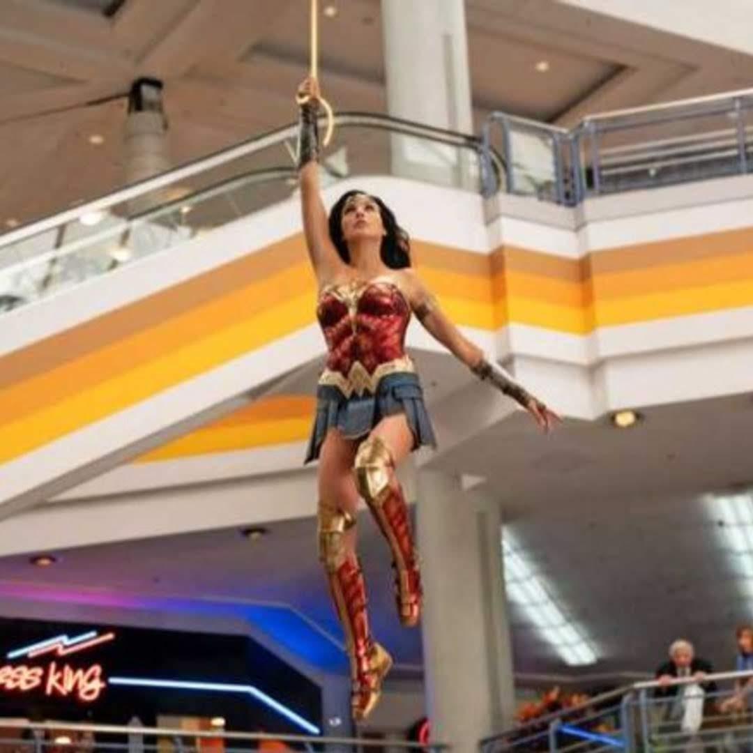 Wonder Woman 1984 : パティ監督の戦うヒロイン映画の第2弾「ワンダーウーマン 1984」のガル・ガドットの新しい写真 ! !