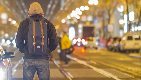 Barang Perlengkapan Harus Dibawa Saat Liburan Traveling Khusus Pria: Wajib Jangan Sampai Ketinggalan