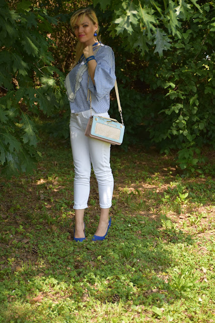 white pants how to wear white pants white outfit how to combine white mariafelicia magno fashion blogger color block by felym fashion bloggers italy italian fashion bloggers june outfits summer outfits