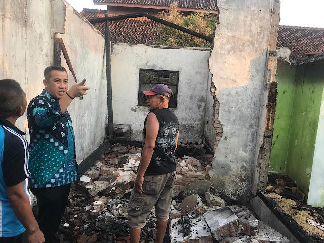 Tinjau Lokasi Kebakaran, Ini Pesan Yang Disampaikan Dendi