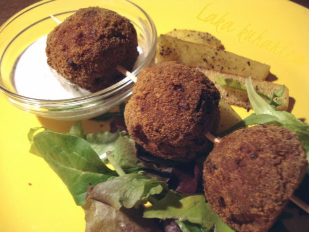 Turkey meatballs on a stick by Laka kuharica: homemade, healthy and tasty fast food.