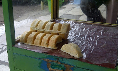 Makanan Khas Karawang Kue Gonjing