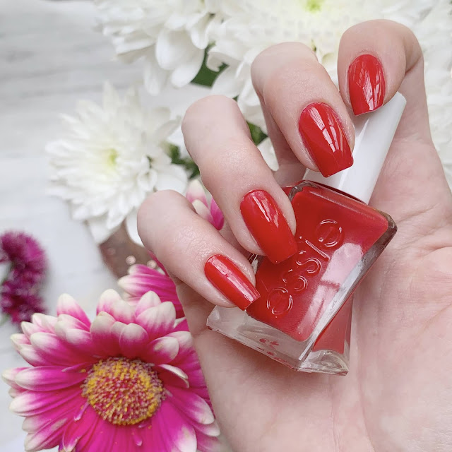 lady-in-red-essie-gel-couture-nails-swatch