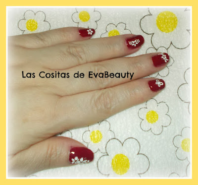 Manicura Masglo con decoracion floral pegatinas uñas nailart nails