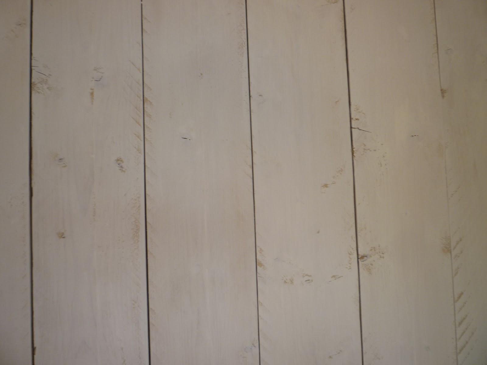 le blog d 39 alizarine d co un mur de planches pour un nid douillet avant apr s la chambre. Black Bedroom Furniture Sets. Home Design Ideas