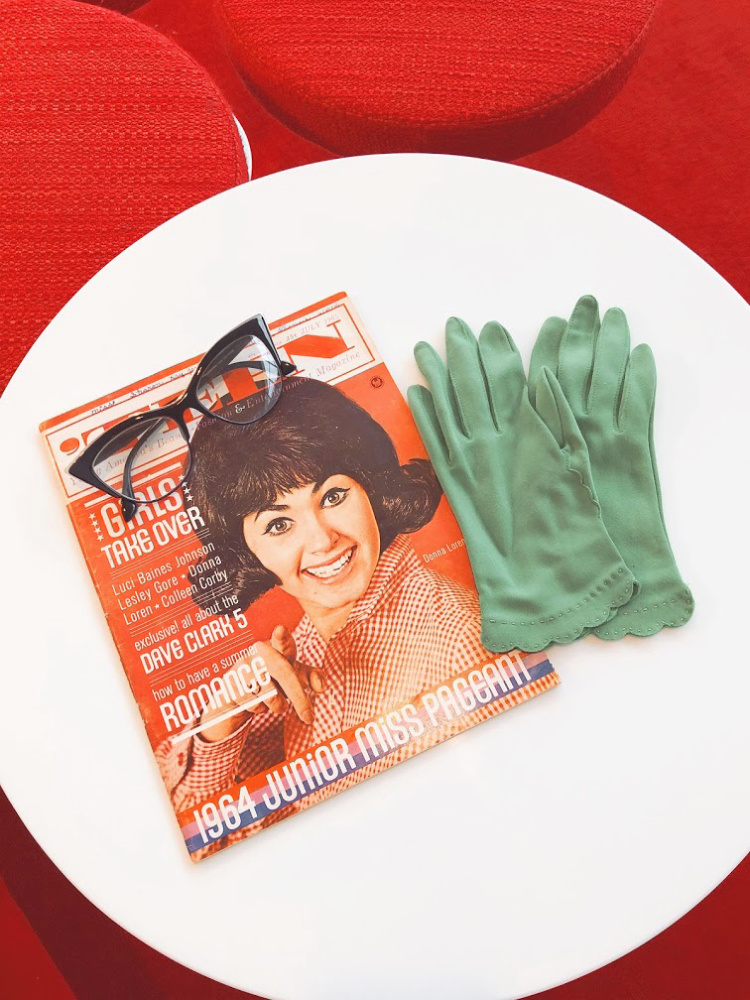 A Vintage Nerd, Vintage Blog, Vintage Blogger, Retro Lifestyle, Vintage Magazine, Teen Magazine, Sixties Magazine, Vintage Lifestyle, Cat Eyeglasses, Vintage Gloves, How to Care for Vintage Magazines, Vintage Magazines, Old Paper