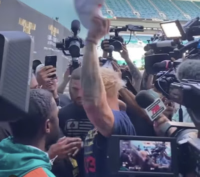 Jake Paul Steals Mayweather's Cap; Turns Into A Furious Brawl (Read Story & Watch Full Video)