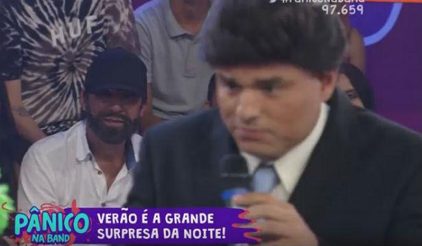 Emilio Surita estava na plateia disfarçado na estreia do programa 2016