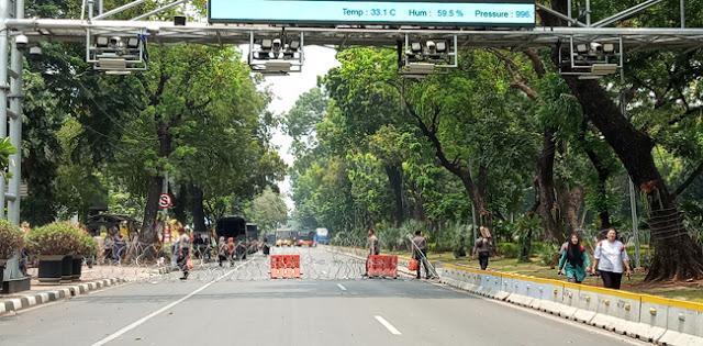 BEM SI Kembali Aksi, Jalan Menuju Istana Merdeka Ditutup