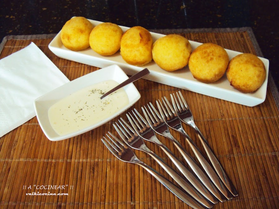 Bombas de patata rellenas de ternera y parmesano