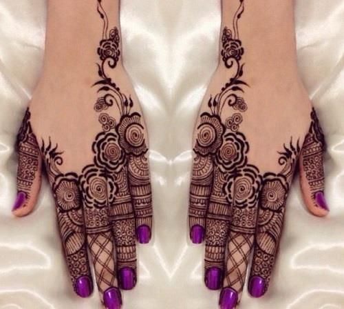 Beautiful Khaleeji Mehndi Designs For Back Hands