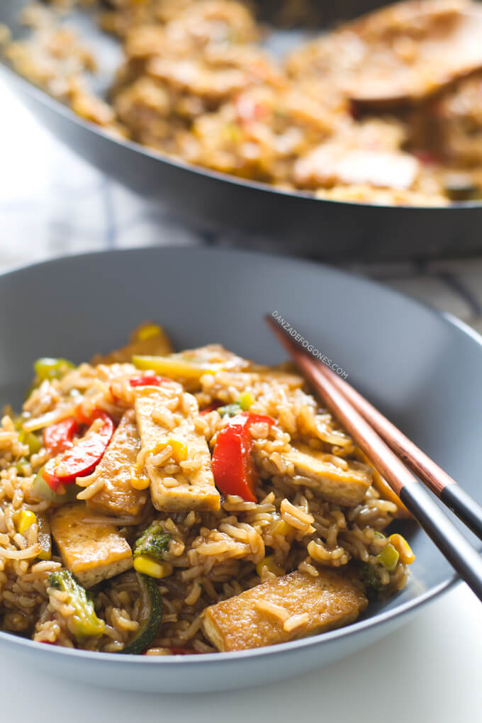 Tofu wok with rice and vegetables. This recipe is spectacular. If you want a simpler version, you can substitute soy sauce for the sauce | danceofstoves.com #DanceofStoves #vegan #withoutgluten