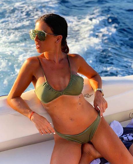 Ana Sević objavljuje sexy fotografije sa odmora na Mikonosu