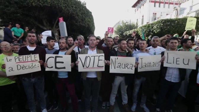Argelia acude a las urnas para elegir sucesor de Buteflika.