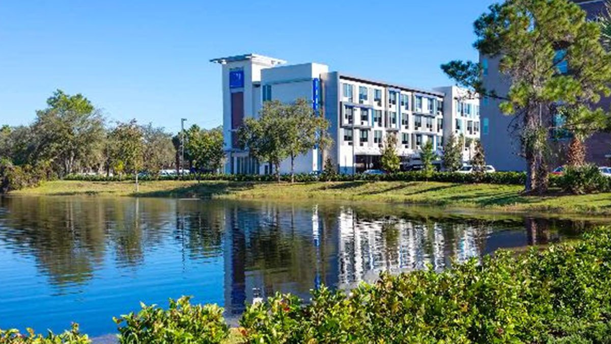 MARCA TRYP WYNDHAM HOTELS RESORTS ORLANDO 01